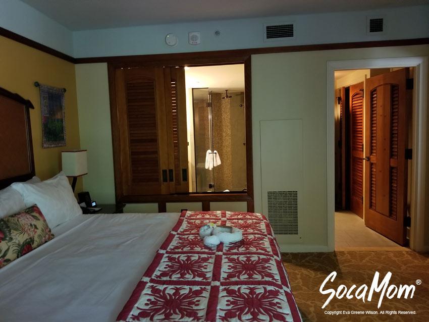 Disney Aulani Resort and Spa Two Bedroom Villa - Master Bedroom Suite