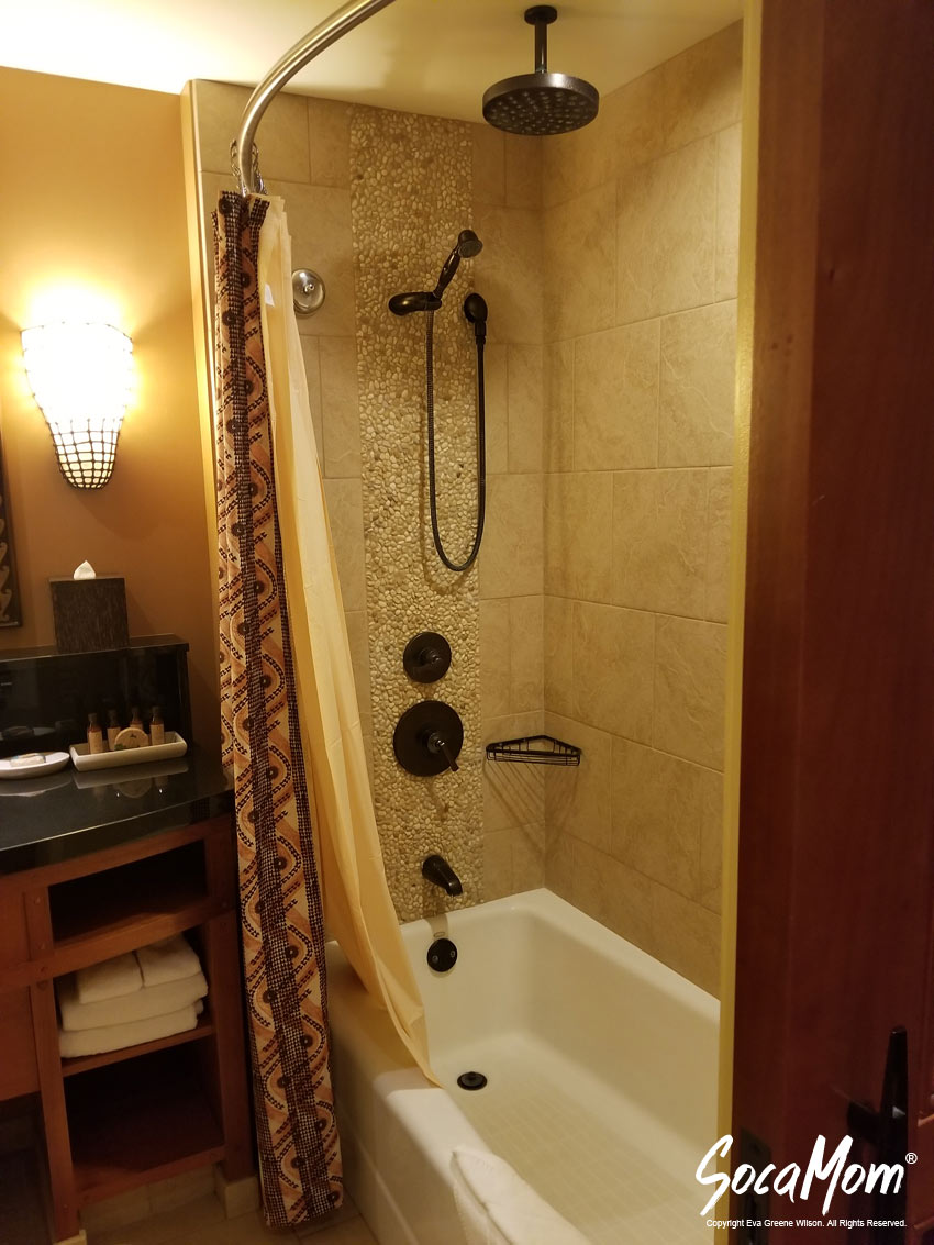 Disney Aulani Resort and Spa Two Bedroom Villa - Second Bedroom Suite with full bathroom