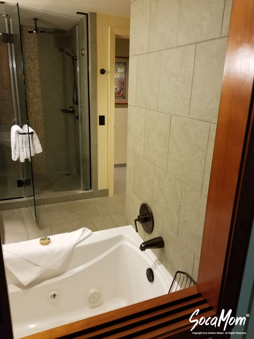 Disney Aulani Resort and Spa Two Bedroom Villa - Master Bathroom
